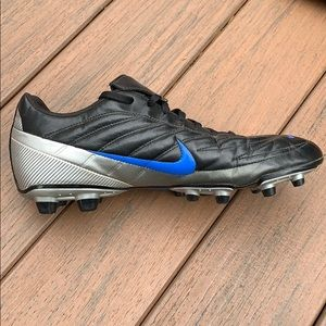 Nike Shoes - Mans Nike Cleats Shoes Size 12